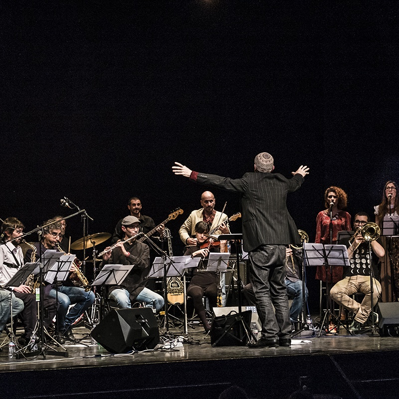 "ARTCHIPEL ORCHESTRA & ORCHESTRA DI VIA PADOVA<br />""Batik Africana Suite""<br />Direttore Ferdinando Faraò"